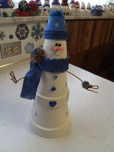 Clay Flower Pots, Flower Pot Crafts, Clay Pots, Clay Pot Projects, Clay Pot Crafts, Diy Crafts, Christmas Clay, Christmas Projects, Outdoor Christmas Decorations