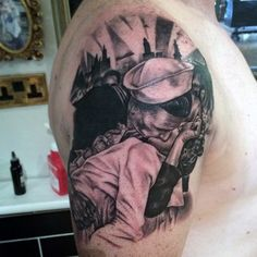 Funny and romantic detailed black and white kissing couple tattoo on upper arm Kiss Tattoos, Army Tattoos, Military Tattoos, Music Tattoos, Forearm Tattoos, Sleeve Tattoos, Tatoos, Couple Tattoo Heart, Couple Tattoo Quotes