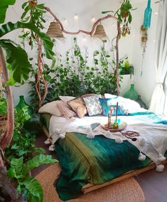 Charming Bohemian Home Interior Design Ideas (With images) Bohemian Bedrooms, Bohemian Decor, Bohemian Style, Bohemian Lifestyle, Modern Bohemian, Hippie Boho, Bohemian Room, Bohemian Garden Ideas, Boho Chic