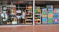 Etalage- Nieuwe Oosterstraat 1b, Leeuwarden- Kunstwerkplaats Smoel en BijdeHand