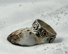 Rustic silver ring. SIZE: 95. Discontinued. by nataliasjewellery
