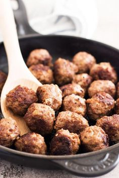 Learn how to make meatballs from scratch! Made with ground beef, breadcrumbs, egg and seasoning, you can cook them right away or freeze for easy meal prep! Easy Meal Prep, Easy Meals, Freezer Meals, Midweek Meals, Ground Beef Meatballs, Meatballs Stovetop, Cooking Meatballs, Slow Cooker Recipes