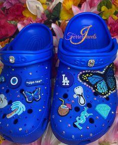 Cute Nike Shoes, Cute Nikes, Crocs Fashion, Fashion Bags, Designer Crocs, Teen Girl Shoes, Bling Shoes, Aesthetic Shoes, Fresh Shoes
