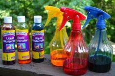 Watercolor spray paint - outdoor mark making Fun Summer Activities, Creative Activities, Activities For Kids, Learning Activities, Eyfs Outdoor Area, Outdoor Play, Art For Kids, Crafts For Kids, Creative Area