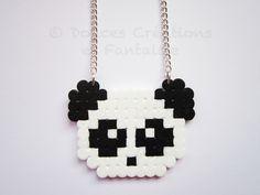 Bijou Collier Panda blanc et noir, perle hama, plastique, geek, kawaii, femme enfant adolescente, fait-main : Collier par doucescreationsetfantaisie
