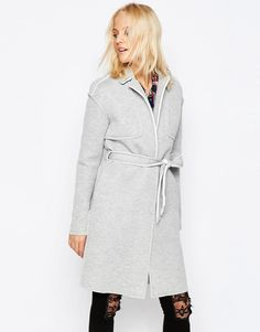 Buy it now. Noisy May Victory Belted Trench Coat - Grey. Coat by Noisy May, Thick soft-touch scuba, Mid-weight design, Notch lapels, Open front, Self-tie belt to cinch in the waist, Raw-cut seam details, Regular fit - true to size, Machine wash, 100% Viscose, Our model wears a UK S/EU S/US XS and is 175cm/5'9 tall. ABOUT NOISY MAY The younger and louder sibling of Danish brand Vero Moda, Noisy May is your new go-to label for fashion-forward denim. Their first collection sees authentic, raw…