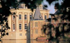 """El próximo 27 de junio reabre sus puertas uno de los museos más célebres de Holanda, el Mauritshuis de La Haya, hogar de la obra maestra de Vermeer: """"La joven de la perla""""."""
