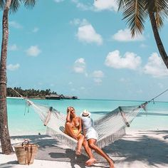 ~Sand, water, sunshine and good company are sometimes all you really need~ #vacation #wanderlust #travelbloggers #luxuryhotels #luxuryholiday #travelismypassion #visitmaldives #Sunnysideoflife #exploring #travellifestyle #lovetotravel #tropicalisland #lovetheocean #foreversummer #tropicalisland #maldives #funinthesun 📷 @ooreethirah — at One&Only Reethi Rah, Maldives. Maldives Luxury Resorts, Visit Maldives, Best Holiday Places, Paradise On Earth, Luxury Holidays, Good Company, Journey, Ocean, Vacation