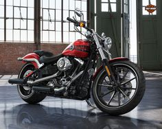 The New 2013 Harley-Davidson Breakout, love this bike!