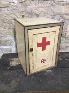 Vintage Metal First Aid Medical Wall Mounted Cabinet Industrial Red Cross WW1?