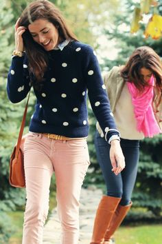 Need baby pink jeans now! Velvet Pants: J. Background: Jeans: J Brand wax denim. Sweater: J. Scarf: J. boots: Via Spiga. Preppy Mode, Preppy Style, Fall Winter Outfits, Autumn Winter Fashion, Pink Pants Outfit, Outfit Jeans, Sweater Outfits, Light Pink Pants, Tommy Hilfiger