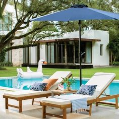 Mid Century Modern at its finest. Summer is here. Pool Lounge Chairs, Oversized Chair And Ottoman, Modern Pools, Pool Furniture, Life Design, House Design, Dream Pools, Swimming Pool Designs, Outdoor Living