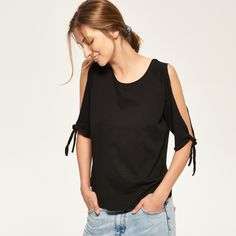 http://www.reserved.com/pl/pl/woman/check/recommended/reserved500/rk321-99x/top-with-cut-sleeves