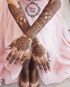 Check out the best bridal mehndi designs 2019 and jazz up your bridal mehendi look. Bridal mehendi inspirations for brides. Henna Hand Designs, Mehndi Designs Finger, Wedding Henna Designs, Indian Henna Designs, Latest Bridal Mehndi Designs, Full Hand Mehndi Designs, Stylish Mehndi Designs, Mehndi Designs For Girls, Mehndi Design Images