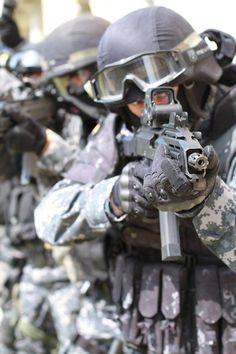 #military #weapons #police #army #policiecr #acr #urna #pcr #zj #special #force #policeczech  #czepolice #tickercz #tick3r  #T3cz #TickerCZ
