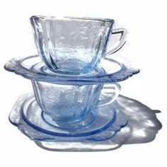 1930s Madrid Bue Depression Glass Cups and Saucers