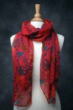 Red skull scarf <3