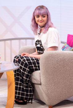 Maisie Williams at Lorraine Show in London, Paparazzi Photos, Slim Shady, Maisie Williams, Arya Stark, Celebs, Celebrities, Sophie Turner, Lorraine, Pink Aesthetic