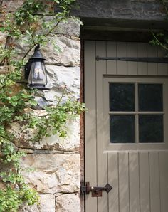New Front Door Colors With Tan House Stones Living Rooms Ideas Farmhouse Front, Farmhouse Style, Fresh Farmhouse, Front Door Hardware, Tan House, Farmhouse Landscaping, Front Door Colors, Stone Houses, Back Doors