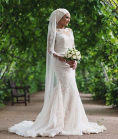 Weddings take work when it comes to planning. Muslim Wedding Gown, Muslimah Wedding Dress, Arab Wedding, Muslim Wedding Dresses, Muslim Brides, Wedding Hijab, Muslim Dress, Wedding Bride, Wedding Veils