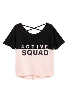 Wide sports top in fast-drying functional fabric with short sleeves, a print motif on the front and decorative crossed straps at the back. Girls Fashion Clothes, Kids Outfits Girls, Teen Fashion Outfits, Teenager Outfits, Girl Fashion, Girl Outfits, Style Fashion, Crop Top Outfits, Cute Casual Outfits