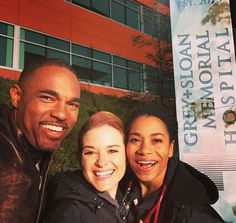 It's a windy night at Grey Sloan Memorial! Love spending it with these two!! @seekellymccreary @jasonwinstongeorge