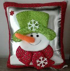 Christmas Decorations, Christmas Ornaments, Holiday Decor, Quilts, Home Decor, Christmas Decor, Pillows, Holiday Ornaments, Toss Pillows