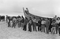 Pescadores, Nazaré, Portugal by Biblioteca de Arte-Fundação Calouste Gulbenkian, via Flickr