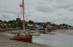Maldon The Beautiful Country, Beautiful Places, Pictures Of England, Essex Homes, White Dragon, Norfolk, Britain, Childhood, Boat