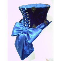 Steampunk Top Hat in Blue Crushed Velvet.) I have a Matching Black Satin Corset with the same color, thick blue Satin laces. Feels Amazing to Wear Out or On Stage💙 The Duchess Composer 🎶Monica Solis Viktorianischer Steampunk, Steampunk Design, Steampunk Cosplay, Steampunk Wedding, Steampunk Clothing, Steampunk Fashion, Steampunk Belle, Steampunk Accessoires, Lady Like