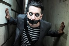 Joker Photos, Tape Face, Cute Nerd, America's Got Talent, Beautiful Boys, Halloween Face Makeup, Motivation, Funny, People