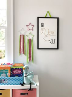 Sleep Under the Stars DIY Star Wall Art sponsored by Disney Book Group to celebrate the Mo Willems' release of #UnlimitedSquirrels in I Want to Sleep Under the Stars!