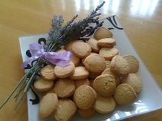 this is an Afrikaans page with LOTS of delicious looking cookie recipes South African Desserts, South African Recipes, Biscuit Bar, Biscuit Recipe, No Bake Cookies, Cake Cookies, Baking Cookies, 21st Bday Cake, Cinnabon Cinnamon Rolls