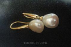 Unique Pearl Earrings BAROQUE PEARL Drop Earrings in 18kt Gold Settings by TresorsDuJour on Etsy