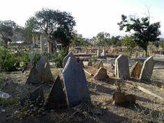 An Old & Isolated Cemetery Iran,Sanandaj,Kordestan August 2014 By Maryam Azadeh