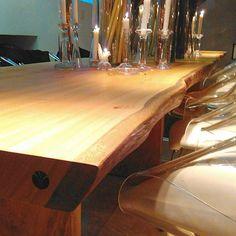 Mesa de Jantar | Natural Wood  #naturalwood #wooddesign #woodfurniture  #instadecor #instadesign #decor #decoração #interiordesign #design #architecture #woodwork  #finewoodworking  #instadaily  #instaphoto #saopaulo #brazil  #picoftheday #picture #picturedecor #arquitetura #designbrasileiro #homedecor #archdaily #luxurydecor #luxurydesign #saladejantar #diningroom #architecture de naturalwood_
