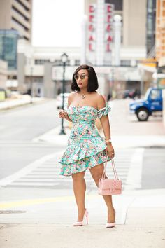 Spring Blossom – Chicamastyle by Chic Ama African Fashion Ankara, Latest African Fashion Dresses, African Print Fashion, Classy Dress, Classy Outfits, Chic Outfits, Fashion Outfits, 90s Fashion, Fashion Tips