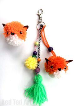 Super cute and easy Pom Pom Fox DIY. If you love pom poms and you love foxes.. then this Fox Pom Pom DIY is for you. They make great diy pom pom charms!