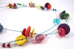 Collier en boutons // Button necklace. $28,00, via Etsy.