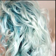 I want my hair this color .