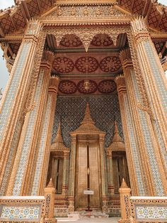 The Grand Palace, Bangkok Wat Phra Kaew Thailand Art, Thailand Travel, Grand Palace Bangkok, Mosque, Aesthetic Pictures, Vacation Trips, Gate, Temple, Aesthetics