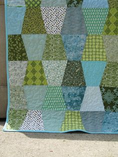 Tumbler block baby quilt for Christina - Apss Lap Quilts, Panel Quilts, Scrappy Quilts, Small Quilts, Quilt Blocks, Quilt Baby, Mini Quilts, Tumbler Quilt, History Of Quilting