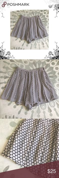 """Michael Kors Pleated Polka Dot Skort 100% Polyester. Waist across measures approx 13"""". Inseam is approx 4"""". Total length is approx 14 1/2"""". Side zipper closure. *Small run in the material on the back that not super noticeable due to the pleating. Please see last pic. Bundle for discounts! Thank you for shopping my closet! Bin 33 MICHAEL Michael Kors Shorts Skorts"""
