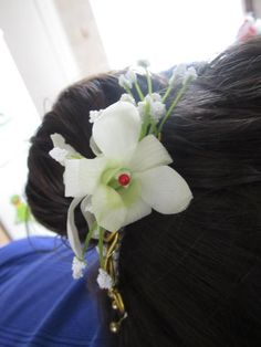Made this hair comb with dendrobium orchid for a friend going to a ball. Dendrobium Orchids, Hair Comb, Crown, Corona, Crowns, Hair Combs, Hairbrush