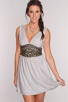 When the night falls, your date will fall for the girl in this gorgeous dress! This evening will enchant you with a romantic dinner and starlit dancing in this beautiful dress. Featuring sleeveless, v-neckline, twisted rope detail, stitching detail, side rope enclosure, lining, and above the knee length. 100% Polyester
