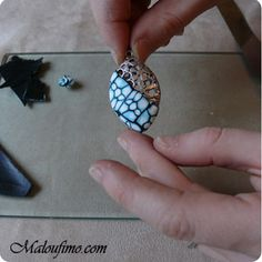 French tute shows using PC with metal earring findings. #Polymer #Clay #Tutorials