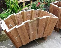 Planter out of doors planter indoor planter vertical planter wall planter succulent planter rustic planter picket planter striking planter Pallet Crafts, Diy Pallet Projects, Garden Projects, Wood Crafts, Pallet Ideas Home, Diy Outdoor Wood Projects, Garden Ideas, Garden Tips, Rustic Planters