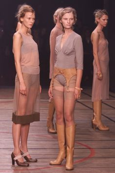 A.F. Vandevorst Spring 2001 Ready-to-Wear Fashion Show Collection
