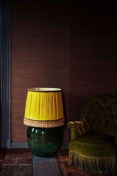 Alte Möbel sind einzigartig und bringen Stil in die Wohnung. Mit diesen Tipps kombinieren Sie die schönen Fundstücke richtig.