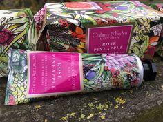 Cremas de manos edición limitada Navidad de Crabtree & Evelyn a la venta en Blossom🎁
